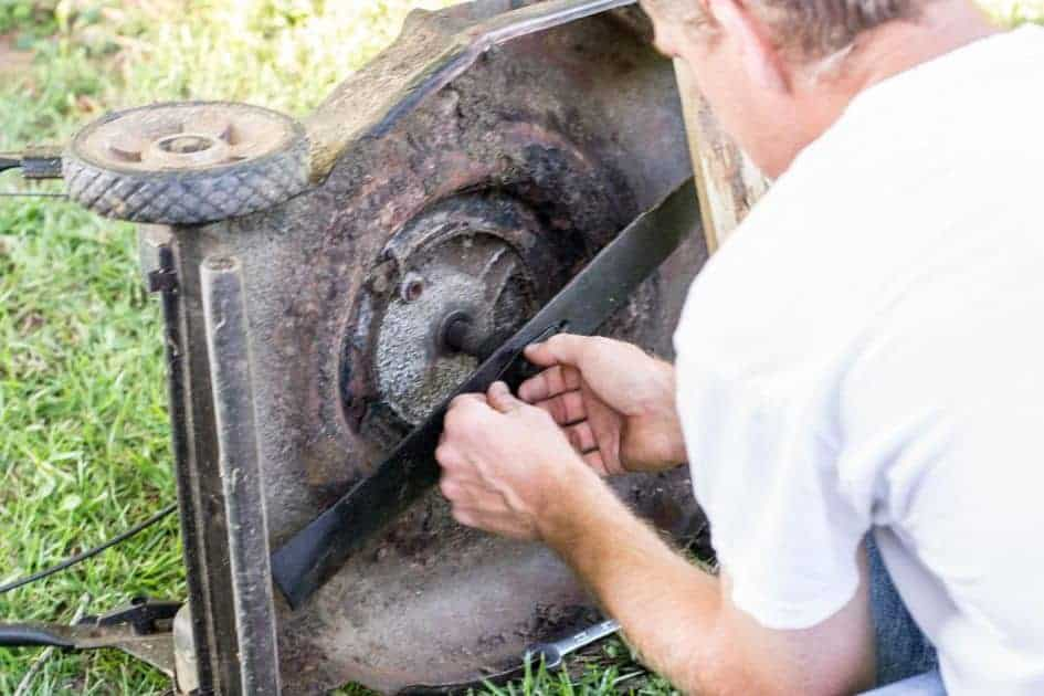 Factors To Consider When Sharpening Your Riding Mowers Blades