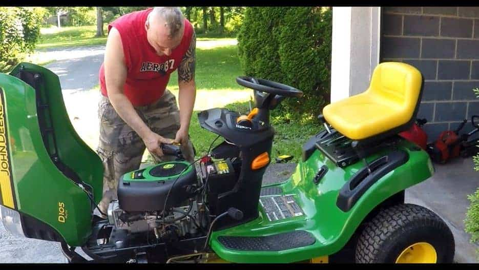 Changing your lawnmower's oil