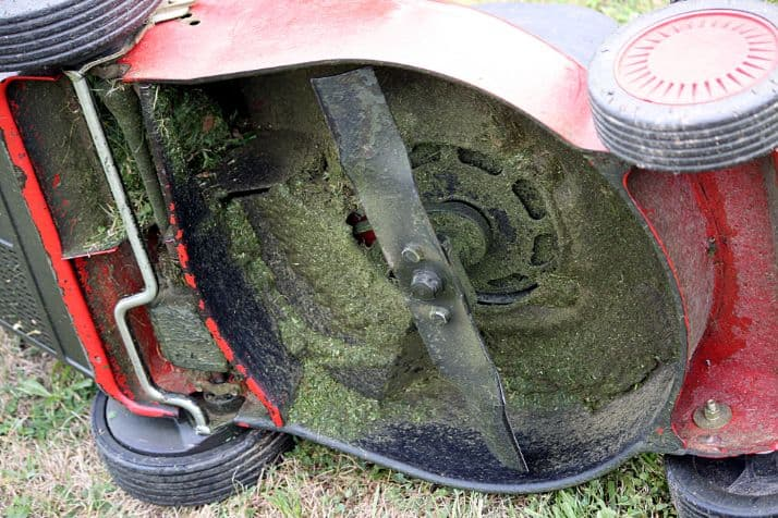 How to thoroughly clean under your lawn mower